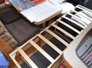 lit dappoint pour cabine de camping car. Black Bedroom Furniture Sets. Home Design Ideas