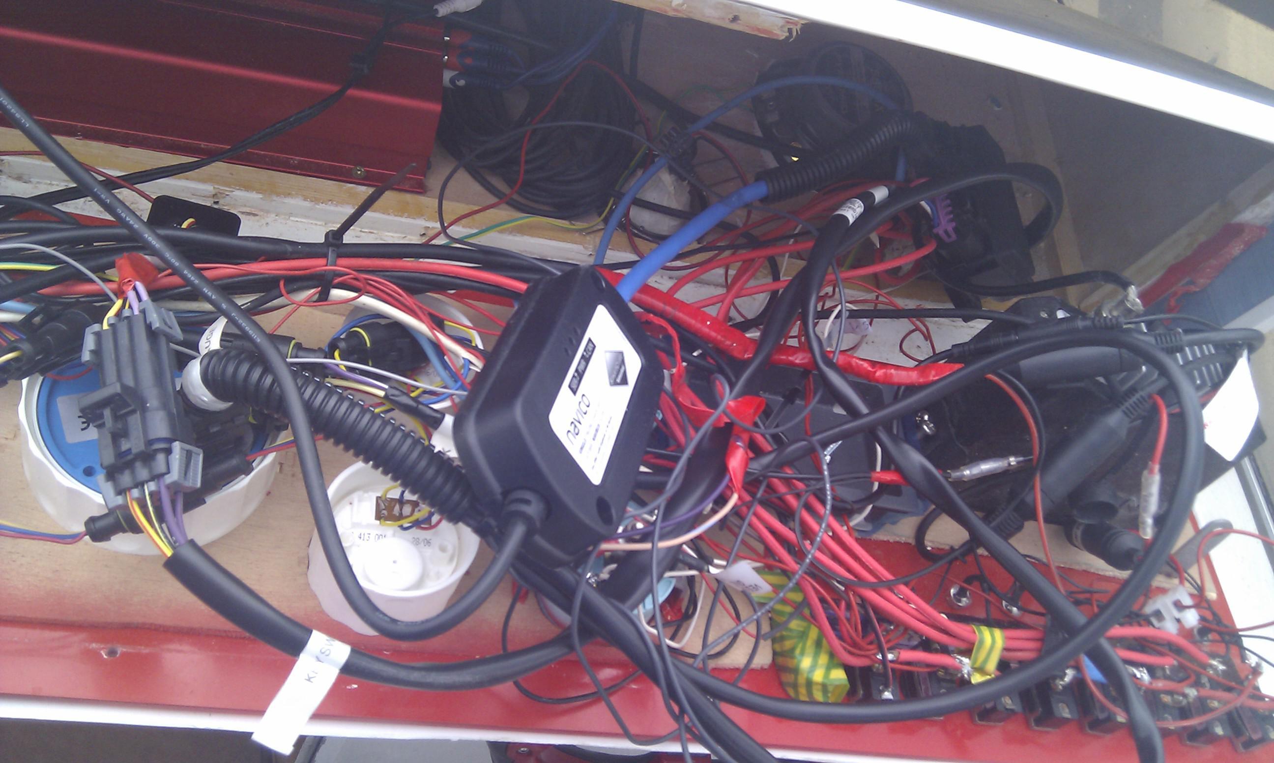 Remotorisation de mon Skanes, electronique et choix d'hélice