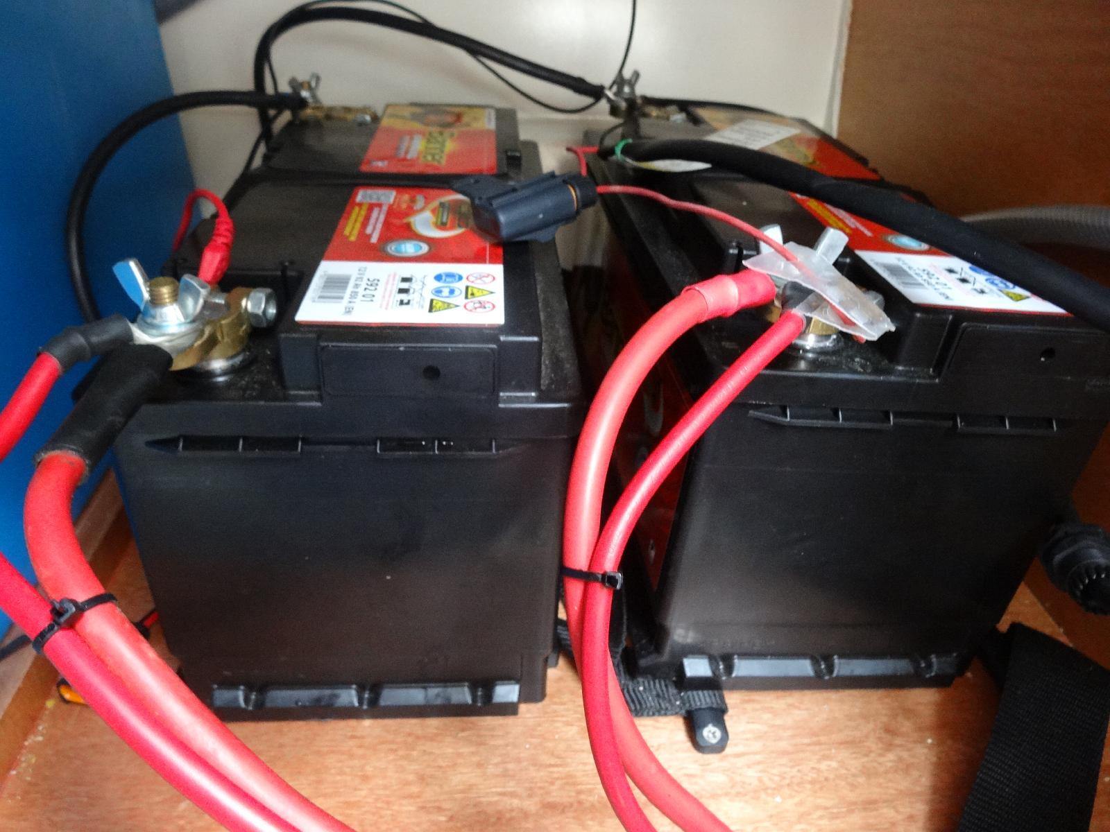 le fameux kit de charge automatique pour 2 batteries. Black Bedroom Furniture Sets. Home Design Ideas