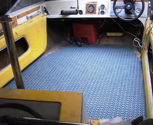 Quelle peinture pour cockpit discount marine for Moquette imputrescible